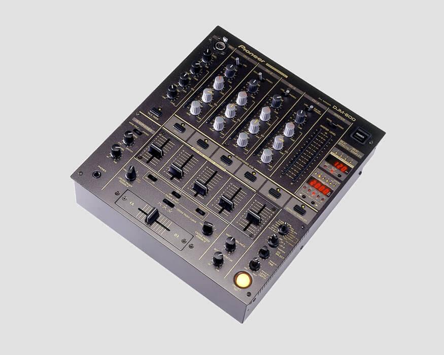 Pioneer-DJM600